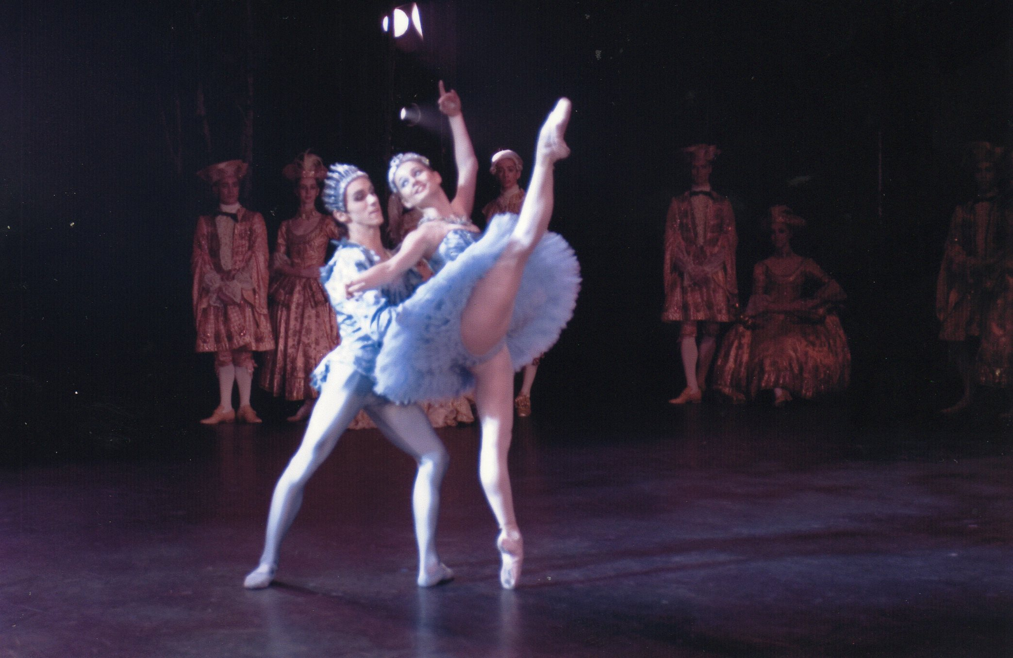 Medhi Angot supporting female ballet dancer during performance